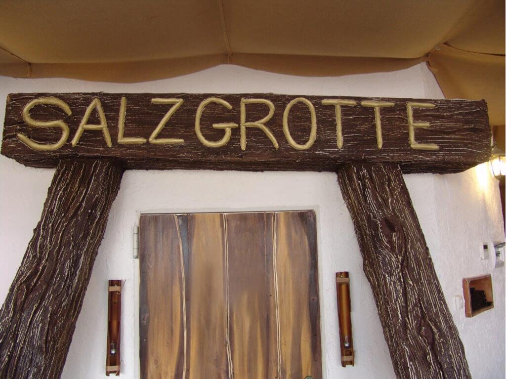 Eingangstür zur Salzgrotte
